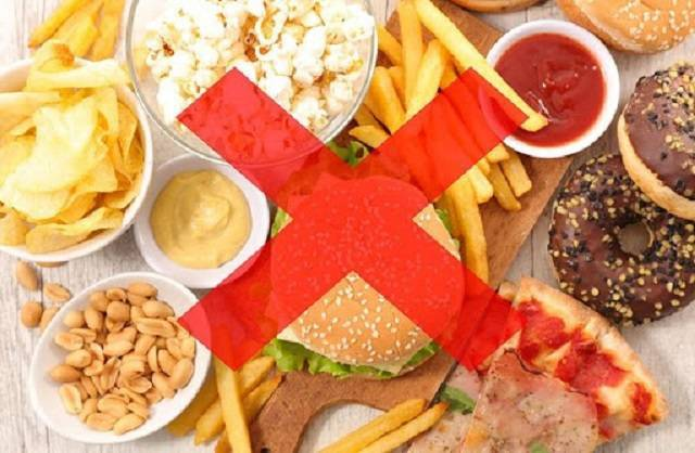 Người bị u nang tuyến giáp nên kiêng thức ăn nhanh