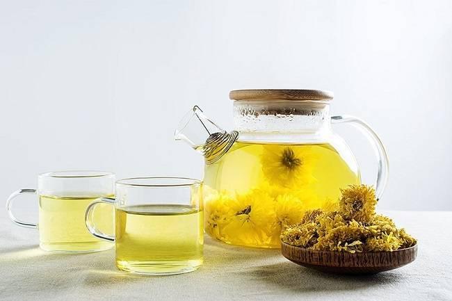 Uống gì dễ ngủ - Trà hoa cúc giúp giải tỏa mọi stress âu lo